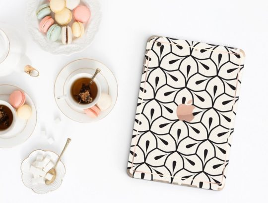 Minimalist fashionable iPad case with optional smart cover