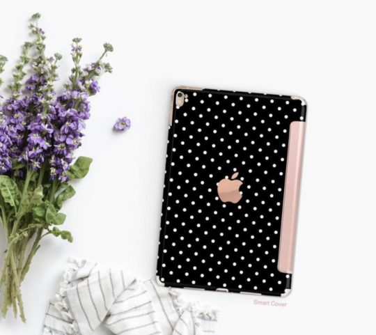 Clique Shops Small Polka iPad Pro 11 smart cover