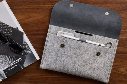 From City Sheep Store comes a premium leather and felt iPad Pro 11 sleeve