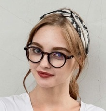 Best gifts to give book lovers in 2019 - Trendy blue light blocking reading glasses