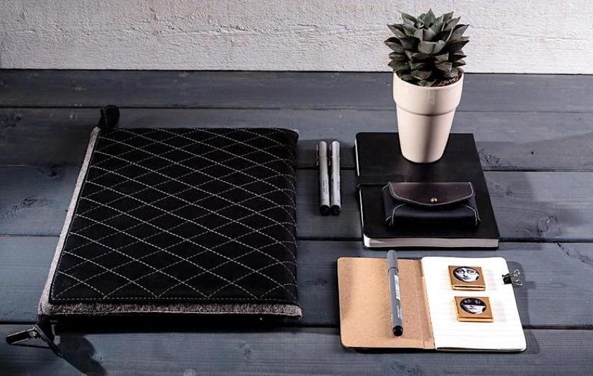 Feel Felt executive iPad Pro zipper sleeve