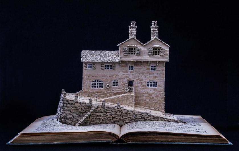 Literary Homes by Su Blackwell - Daphne Du Maurier