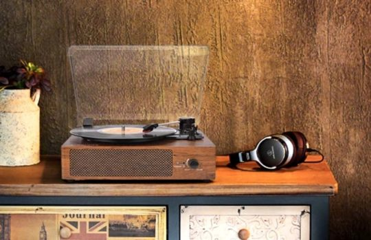 Gifts for audiobook fans - vintage vinyl record player