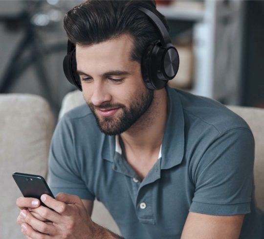 Best-rated over ear Bluetooth headphones Kindle compatible