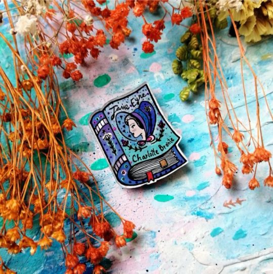 Pin with hand-painted book covers - best gifts for book lovers - 2020 edition