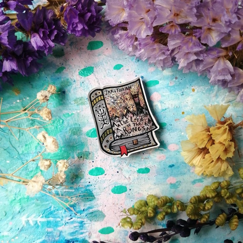 Pins with hand-painted book covers - J.R.R. Tolkien