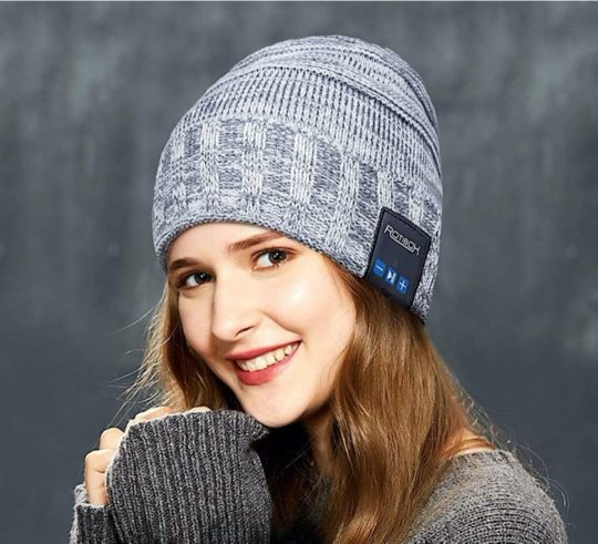 Rotibox winter cap with Bluetooth headphones