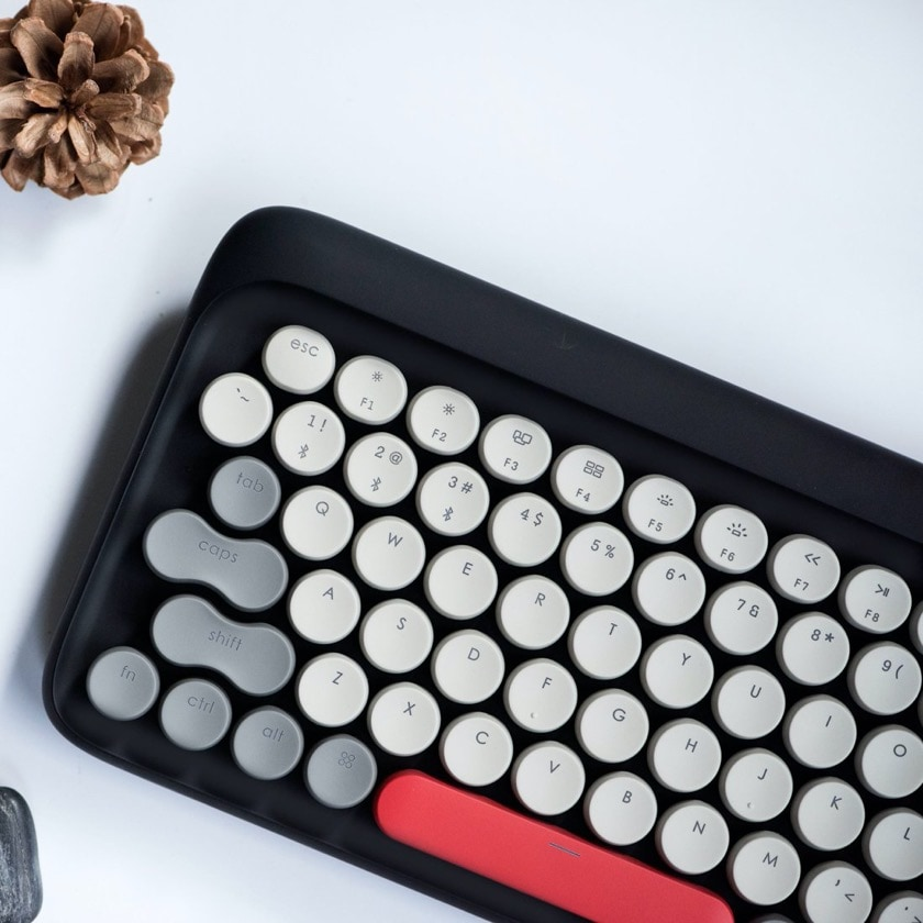 Lofree retro mechanical keyboard for iPad