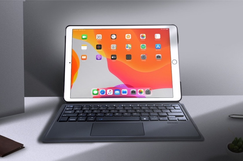 Solid iPad 10.2 keyboard case with touchpad
