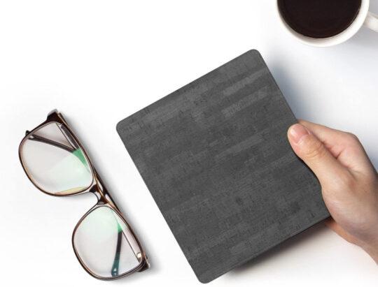 Premium lightweight smart Kindle Oasis case