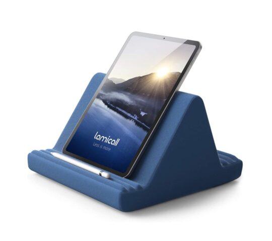 Multi-angle iPad pillow stand