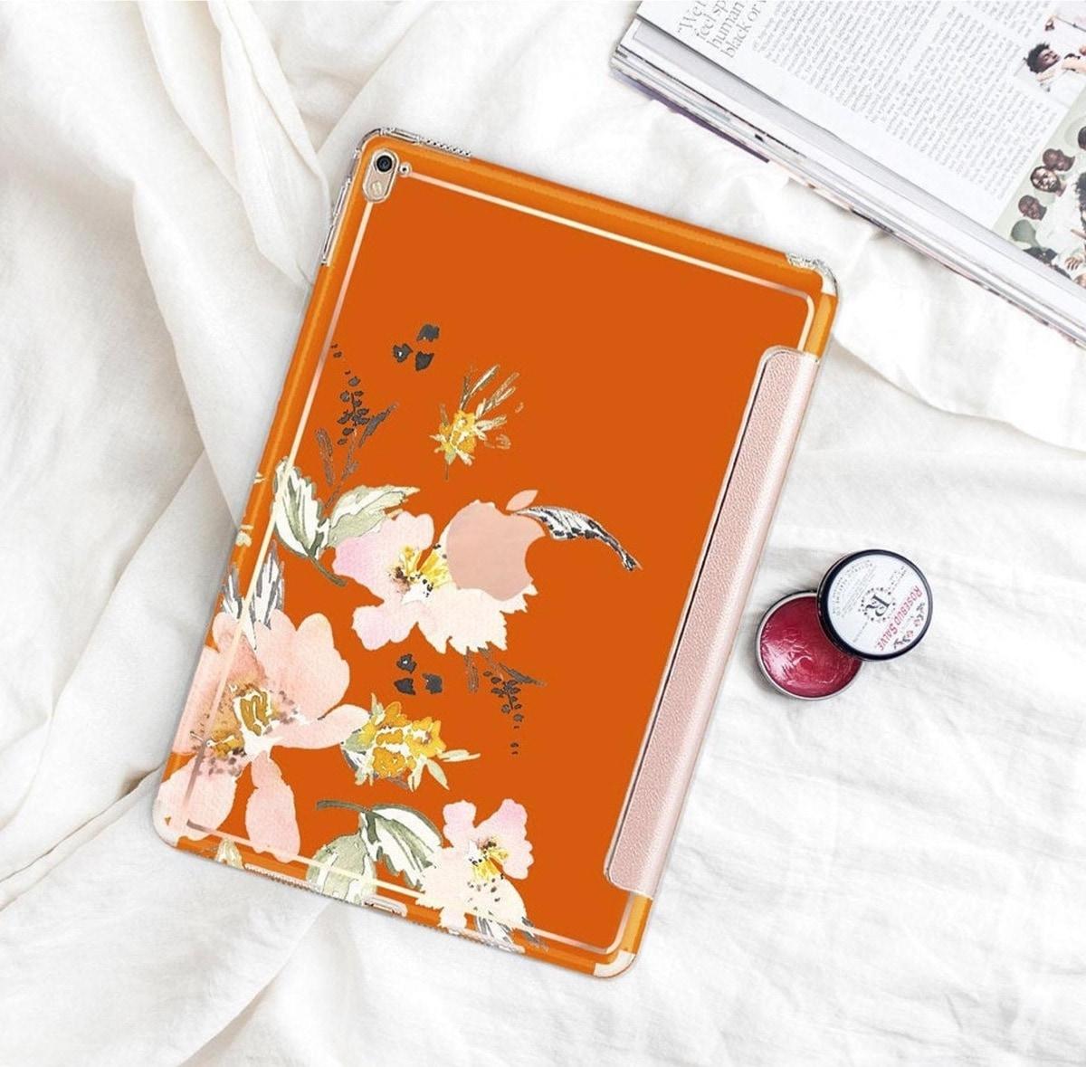 Fashionable tri-fold case iPad Pro 11 compatible