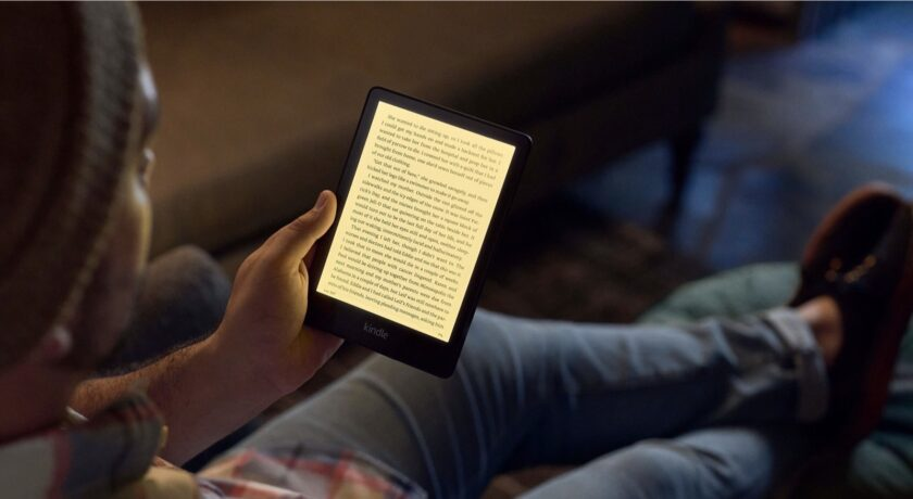 Amazon Kindle Paperwhite 6.8 with warm light